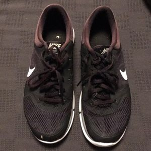 Men's Nike Flex tennis shoes